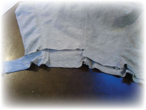 Upcycled t-shirt skirt Step Waistband adjustment