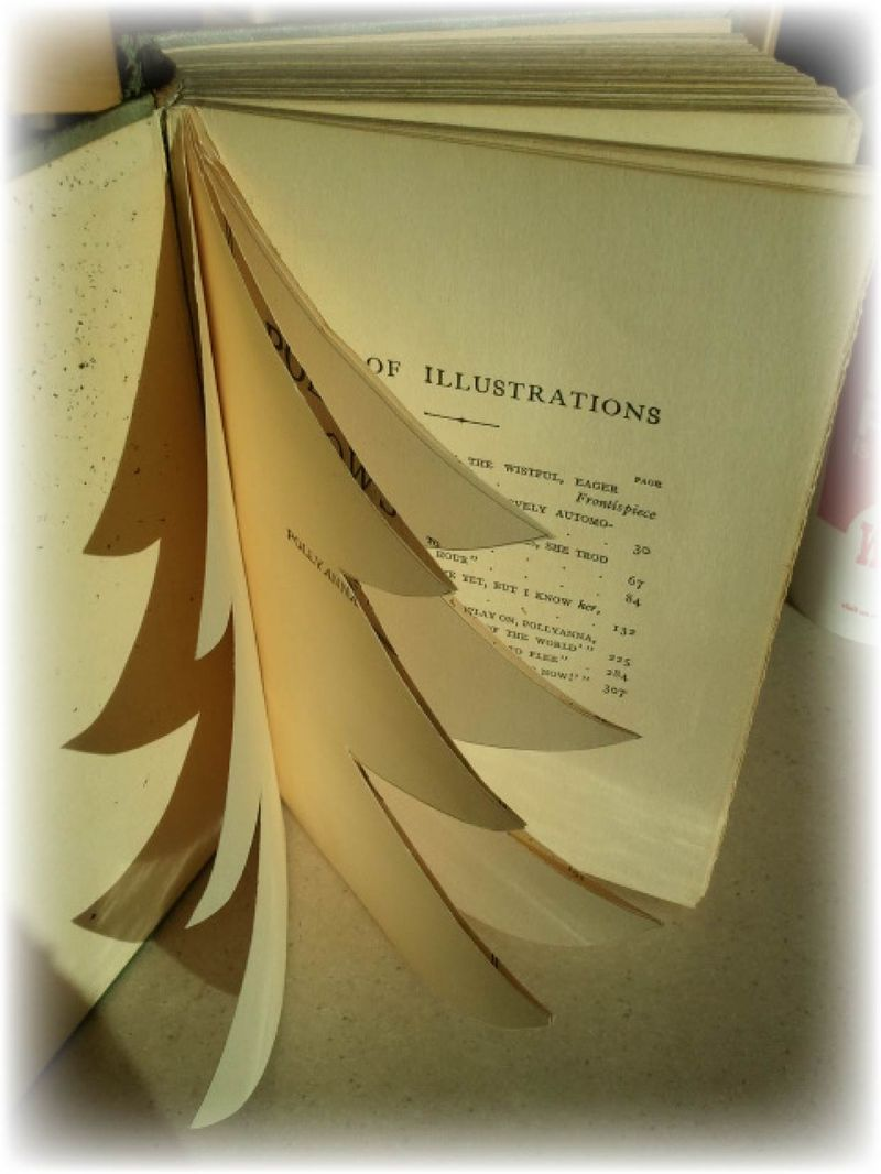 Upcycled Book Christmas Tree Sterp 2