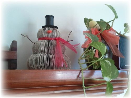 Upcycled book snowman 5
